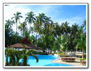 bohol-alona-pool (27k image)