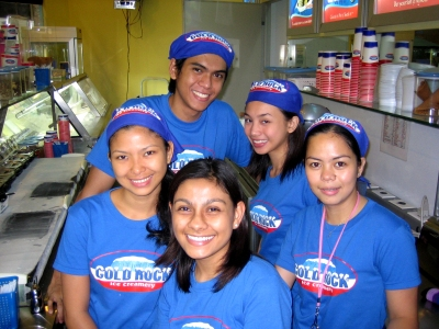 Crew of Cold Rock at The Fort